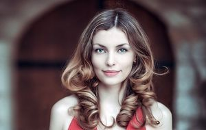 portrait-woman-lure  THE RIGHT STYLING FOR THE FIRST DATE AND THE SUCCESSFUL FLIRT profile ezone teaser300x190