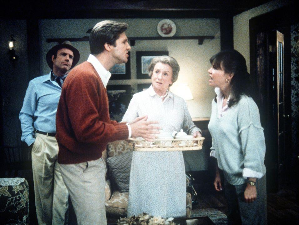 Streit wegen dem Geist: Jolly (James Caan, l.), Rupert (Jeff Bridges, 2.v.l.) und Kay (Sally Field, r.) ... - Bildquelle: Twentieth Century Fox Film Corporation