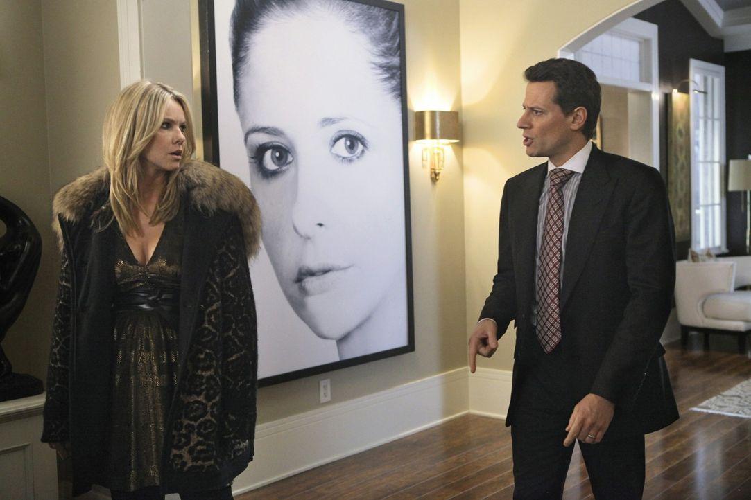 Die Situation eskaliert und Andrew (Ioan Gruffudd, r.) setzt seine Ex-Frau Catherine (Andrea Roth, l.), die sich vorübergehend bei ihm und Bridget... - Bildquelle: 2011 THE CW NETWORK, LLC. ALL RIGHTS RESERVED