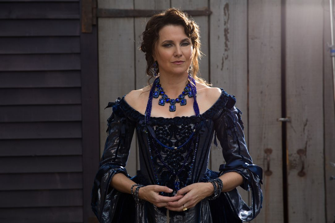 Noch ahnt Mary nicht, dass Countess Marburg (Lucy Lawless) nicht ihre einzige Feindin im Machtkampf der Hexen ist ... - Bildquelle: 2015 Fox and its related entities. All rights reserved.