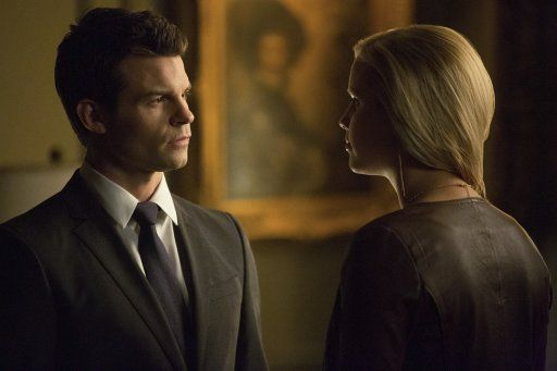 Rebekah und Elijah - Bildquelle: Warner Bros. Entertainment Inc.
