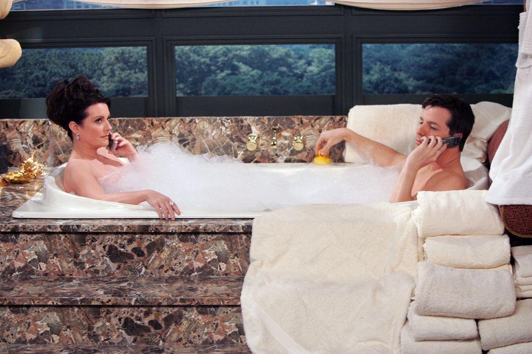 Planen ein Zusammentreffen von Will und Grace: Jack (Sean Hayes, r.) und Karen (Megan Mullally, l.) ... - Bildquelle: NBC Productions