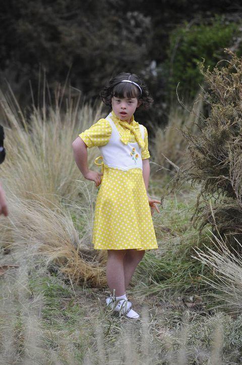 Los Angeles 1978: Die kleine Adelaide (Katelyn Reed) spielt auf dem Grundstück eines verlassen erscheinenden Herrenhauses, doch wirklich verlassen i... - Bildquelle: 2011 Twentieth Century Fox Film Corporation. All rights reserved.