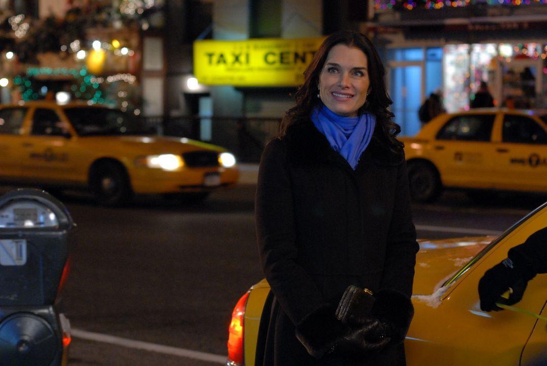 """Wendy (Brooke Shields) ist glücklich: Sie konnte das Filmprojekt """"Bombay Highway"""" an Land ziehen, und der Film ist ein voller Erfolg ... - Bildquelle: 2004 NBC, Inc."""