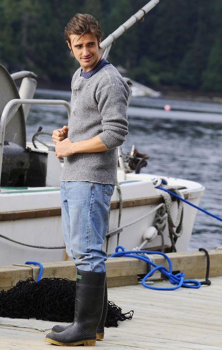 Jimmy (C.J. Thomason) ist gerade auf dem Weg zur Jagd, als er auf Abby trifft ... - Bildquelle: 2009 CBS Studios Inc. All Rights Reserved.