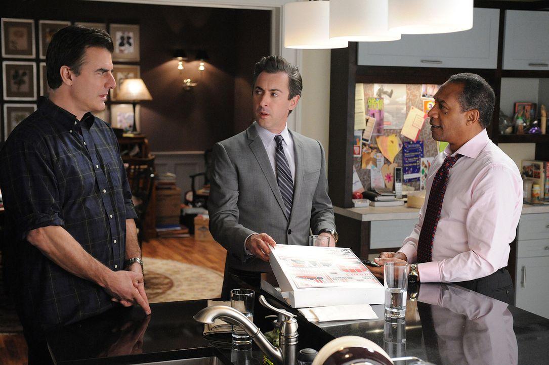 Peter (Chris Noth, l.) will sein Kabinett (Alan Cumming, M.; Joe Morton, r.) davon überzeugen, sich himmlischen Beistand zu holen ... - Bildquelle: CBS Studios Inc. All Rights Reserved.
