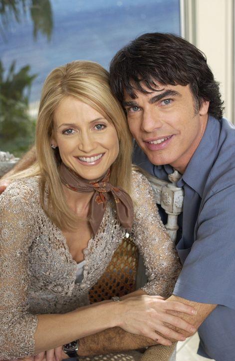 Glücklich: Sandy (Peter Gallagher, l.) und Kirsten (Kelly Rowan, r.) ... - Bildquelle: Warner Bros. Television