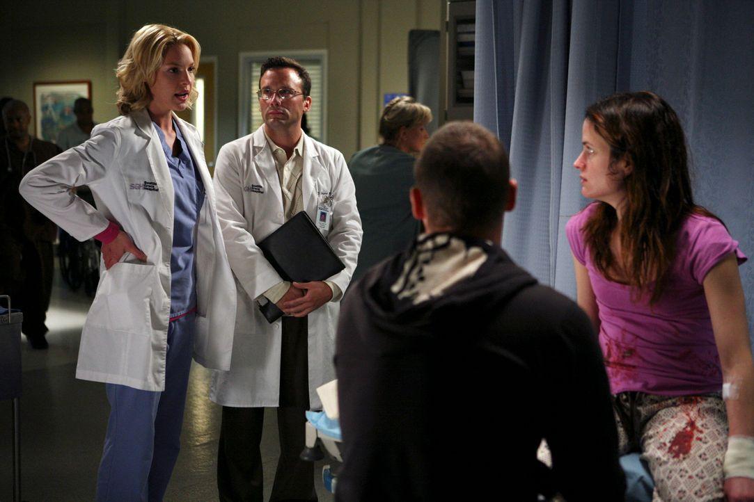Izzie (Katherine Heigl, l.) weiß, dass Rebecca (Elizabeth Reaser, r.) dringend professionelle Hilfe braucht. Mit der Zeit sieht auch Alex (Justin C... - Bildquelle: Touchstone Television