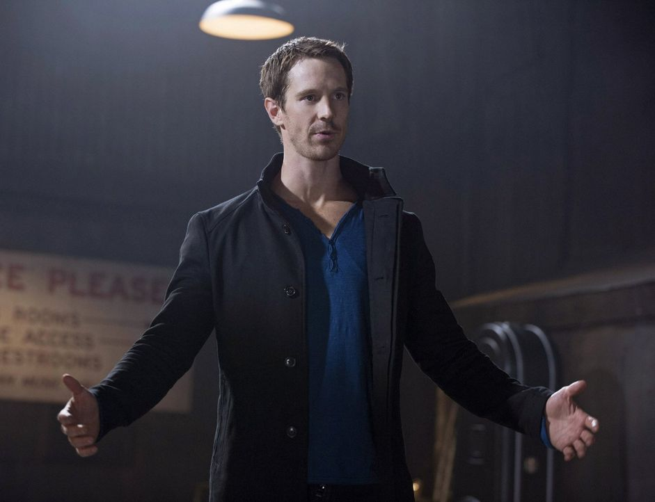 Was lockt Killian McCrane (Jason Dohring) aus seinem jahrelangen Versteck? - Bildquelle: Warner Bros. Entertainment, Inc