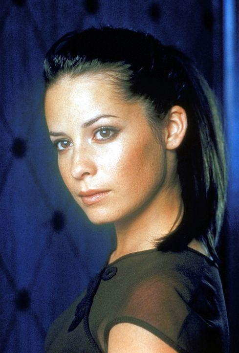 (2. Staffel) - Piper Halliwell (Holly Marie Combs) hat die Fähigkeit, die Zeit in ihrer näheren Umgebung anzuhalten und damit trägt sie zum Erfolg d... - Bildquelle: Paramount Pictures