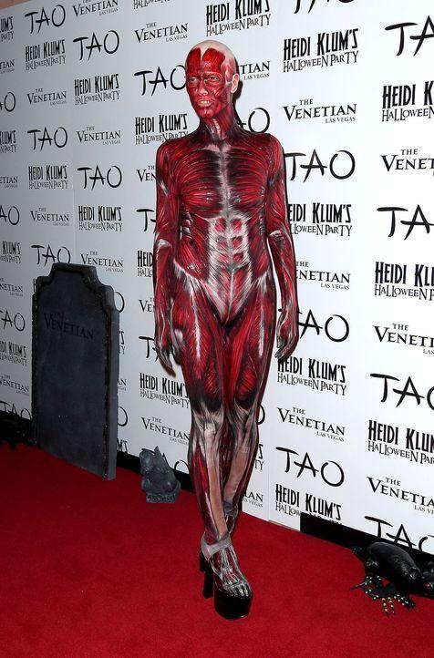 Heidi Klum: Halloween als Skelett - Bildquelle: AFP