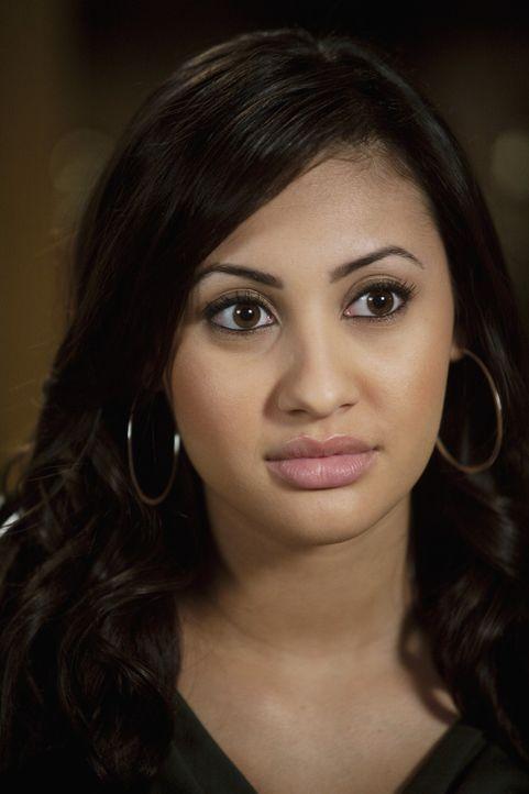 Ihre Schwangerschaft möchte Adrian (Francia Raisa) unbedingt vor Amy verheimlichen. Ob ihr das gelingt? - Bildquelle: 2010 Disney Enterprises, Inc. All rights reserved.