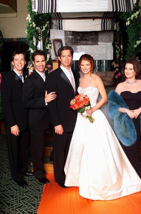 Feiern gemeinsam den großen Tag: Karen (Magan Mullally, r.), Jack (Sean Hayes, l.), Will (Eric McCormack, 2.v.l.), Grace (Debra Messing, 2.v.r.) un... - Bildquelle: NBC Productions