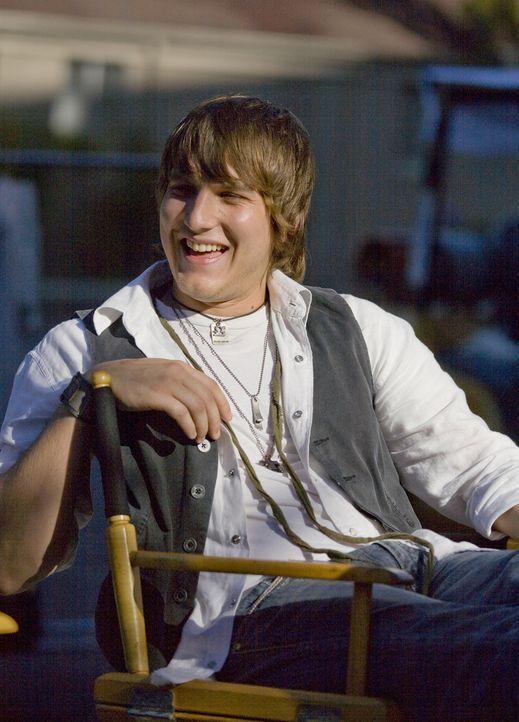 Versucht die bevorstehende Verlobung zwischen Evan und Casey zu verhindern: Cappie (Scott Michael Foster) ... - Bildquelle: 2007 ABC FAMILY. All rights reserved. NO ARCHIVING. NO RESALE.