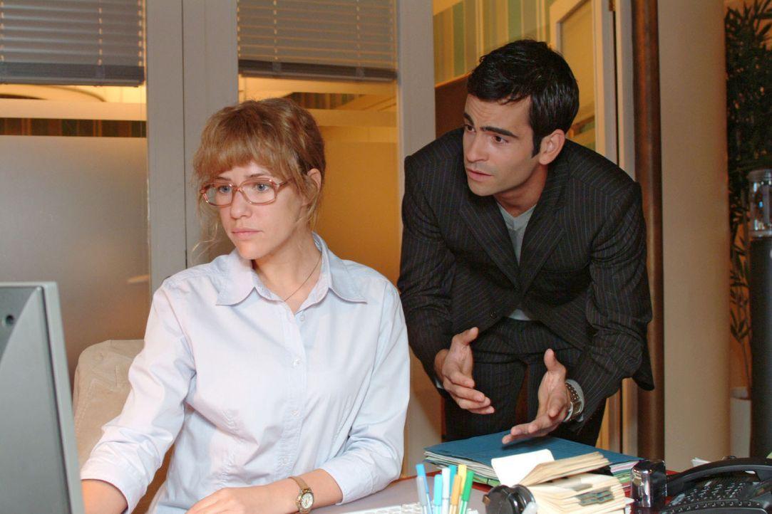 David (Mathis Künzler, r.) bittet Lisa (Alexandra Neldel, l.) inständig um ihr Vertrauen. Wird sie hart bleiben...? (Dieses Foto von Alexandra Nel... - Bildquelle: Monika Schürle Sat.1