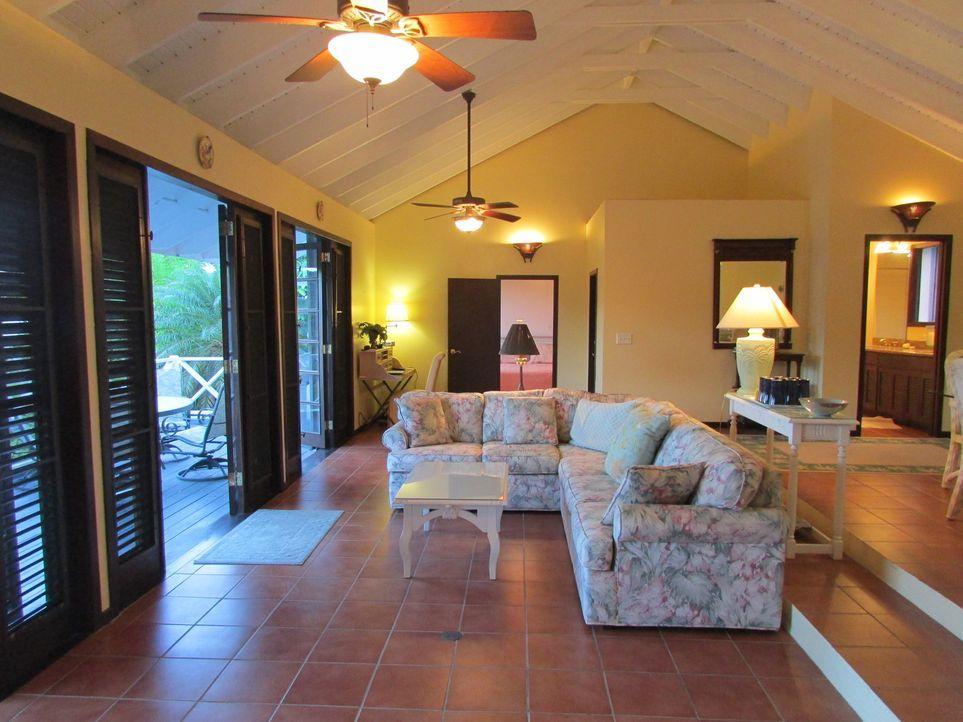 Nachdem Corinne Farinola und Patrick Kralik zunächst gemeinsam ein kleines Appartement gemietet haben, möchten sie ihre Wohnsituation nun vergrößern... - Bildquelle: 2013, HGTV/Scripps Networks, LLC. All Rights Reserved.