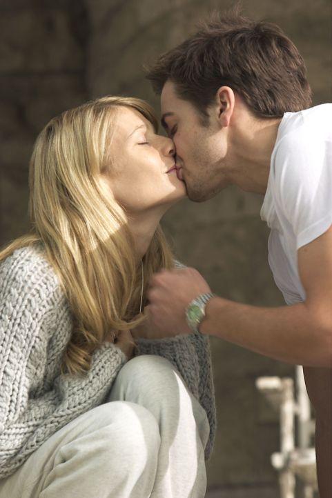 Kommen sich näher: Catherine (Gwyneth Paltrow, l.) und Hal (Jake Gyllenhaal, r.) ... - Bildquelle: 2003 Miramax Films. All Rights Reserved.