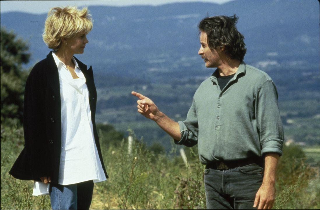 Die biedere Amerikanerin Kate (Meg Ryan, l.) und der französische Lebenskünstler Luc (Kevin Kline, r.) können sich nicht besonders leiden, aber dann... - Bildquelle: 1995 ORION PICTURES CORPORATION. All Rights Reserved