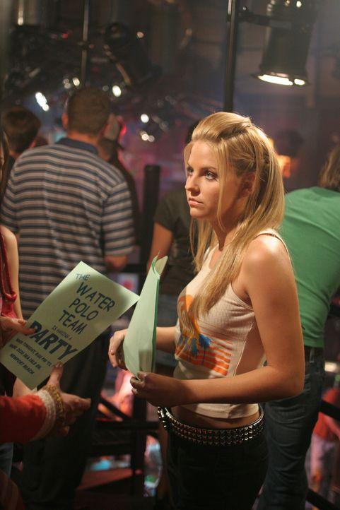 Nach dem Vorfall auf Treys Überraschungsparty ist Jess (Nikki Griffin) wieder wohl auf ... - Bildquelle: Warner Bros. Television