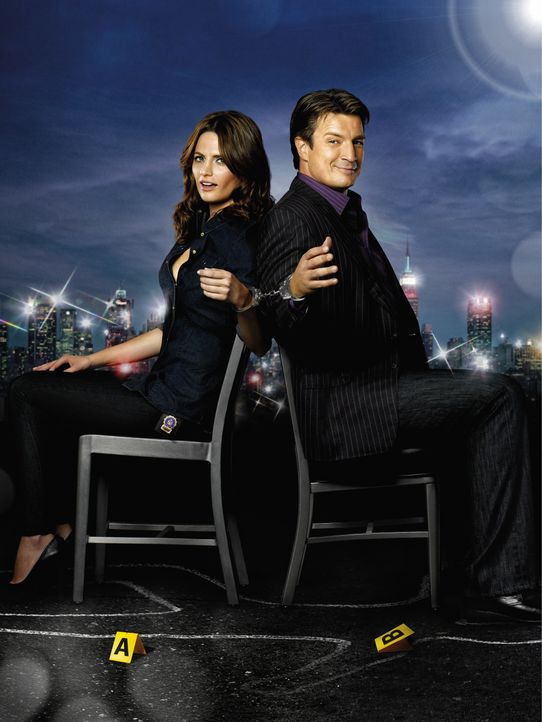 (3. Staffel) - Nach einer kurzen Unterbrechung kehrt Richard Castle (Nathan Fillion, r.) zurück, um wieder  mit Kate Beckett (Stana Katic, l.) zusam... - Bildquelle: ABC Studios