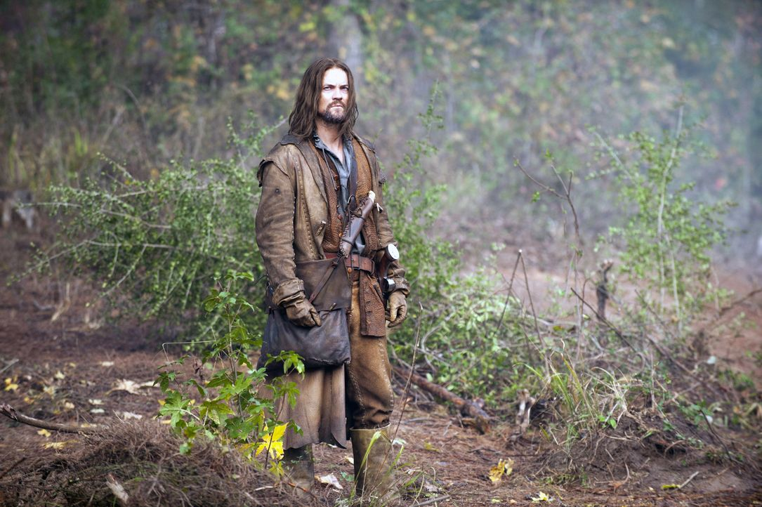 Im Jahre 1692 kehrt John Alden (Shane West) aus dem Krieg zurück und erkennt, dass sein Heimatort Salem in den Händen einer dunklen Macht liegt ... - Bildquelle: 2013-2014 Fox and its related entities.  All rights reserved.