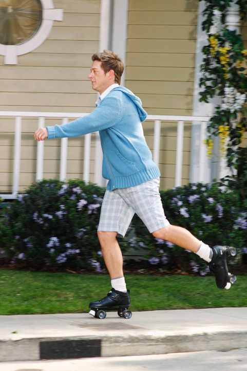 Nach dem Flugzeugunglück versuchen alle wieder ein einigermaßen normale Leben zu führen: Lee (Kevin Rahm) - Bildquelle: ABC Studios