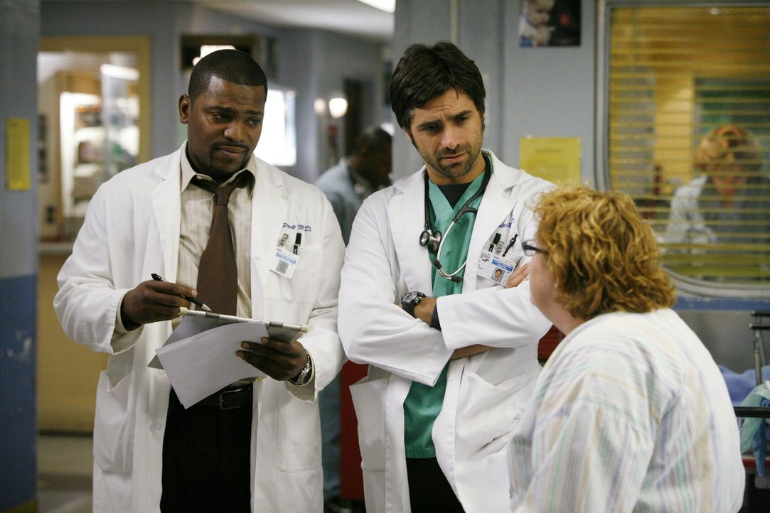 Tina (Maile Flanagan, r.) hält Pratt (Mekhi Phifer, l.) und Tony (John Stamos, M.) auf Trab ... - Bildquelle: Warner Bros. Television