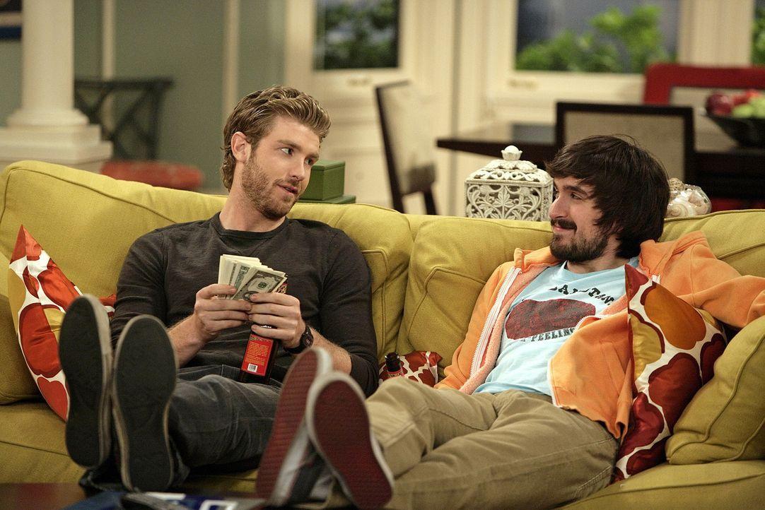 Zack (Jon Foster, l.) und Davis (Nicolas Wright, r.) haben ihren ersten Arbeitstag an ihrem Sandwichstand hinter sich. Ob sich das Geschäft wirklic... - Bildquelle: 2009 CBS Broadcasting Inc. All Rights Reserved