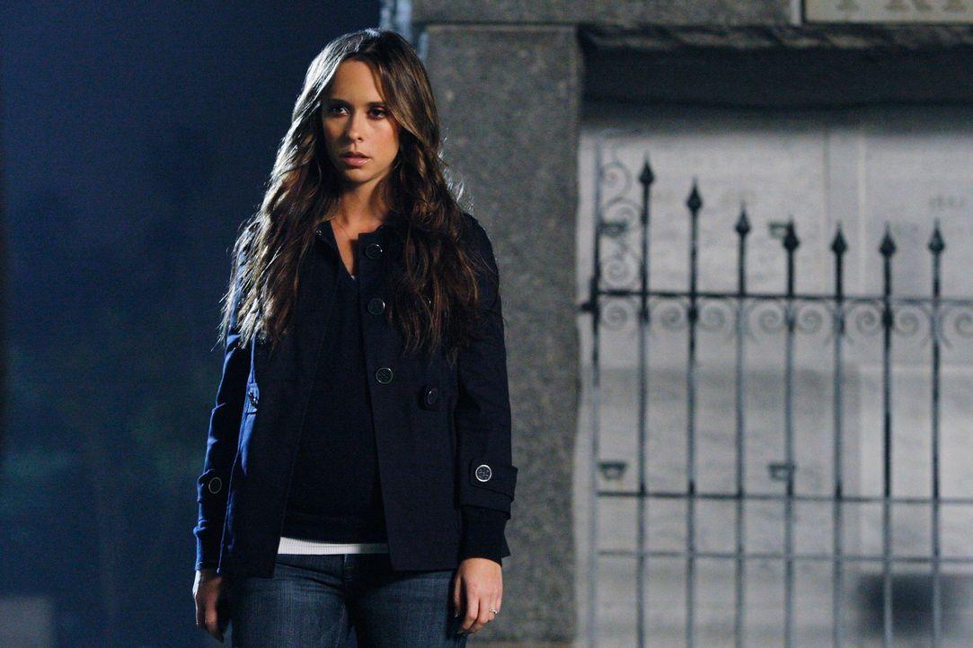 Serena, ein junges Mädchen aus Neds Klasse, wird von einem Geist heimgesucht. Melinda (Jennifer Love Hewitt) versucht den Grund dafür herauszufinden... - Bildquelle: ABC Studios