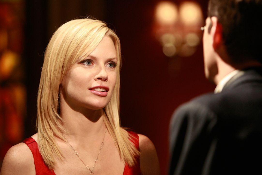 Hält fälschlicherweise George Lafferty für den neuen Freund von Nora: Julia (Sarah Jane Morris) ... - Bildquelle: 2008 ABC INC.