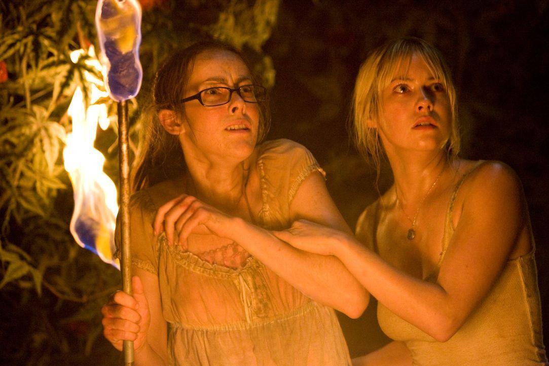 Schon bald müssen Amy (Jena Malone, l.) und Stacy (Laura Ramsey, r.) erfahren, dass die Natur verrückt spielt ... - Bildquelle: 2008 DreamWorks LLC. All Rights Reserved.l