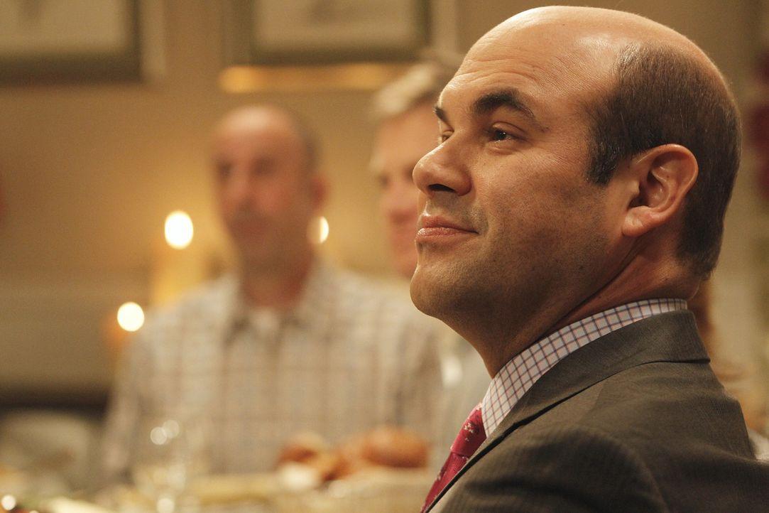 Andy (Ian Gomez) soll als Kandidat für den Bürgermeisterposten an einem Pizzawerfen teilnehmen. - Bildquelle: 2011 American Broadcasting Companies, Inc. All rights reserved.