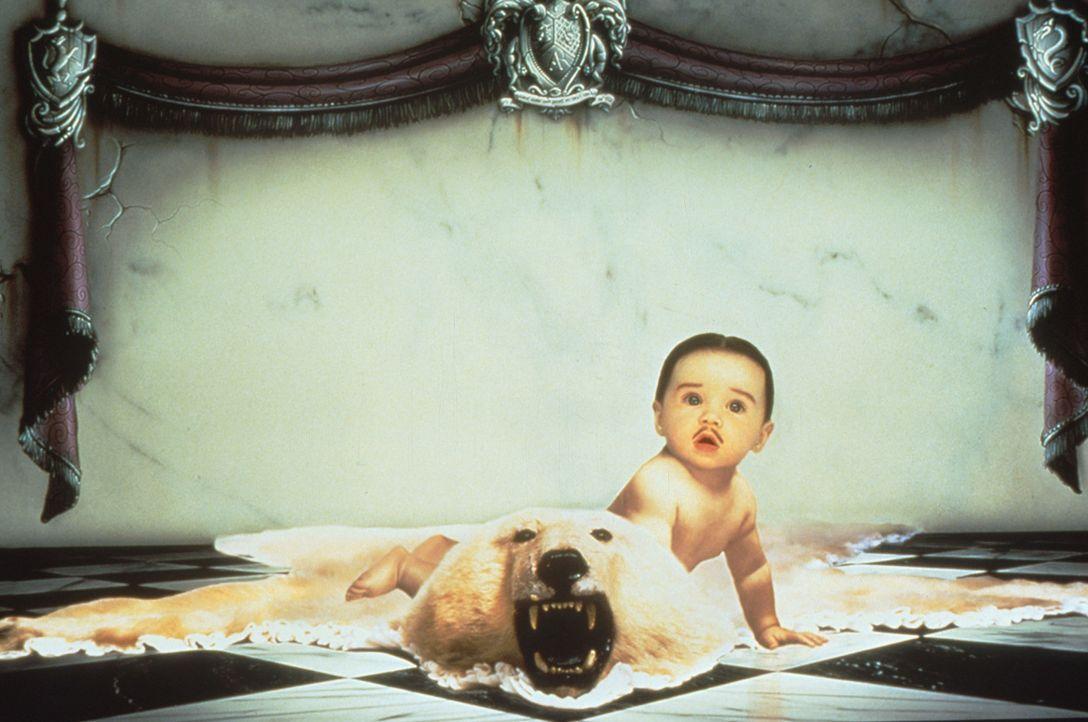 Nachdem Onkel Fester das Haus verlassen hat, droht der kleine Pubert (Kaitlyn Hooper) ungeheuer niedlich zu werden. - Bildquelle: Paramount Pictures