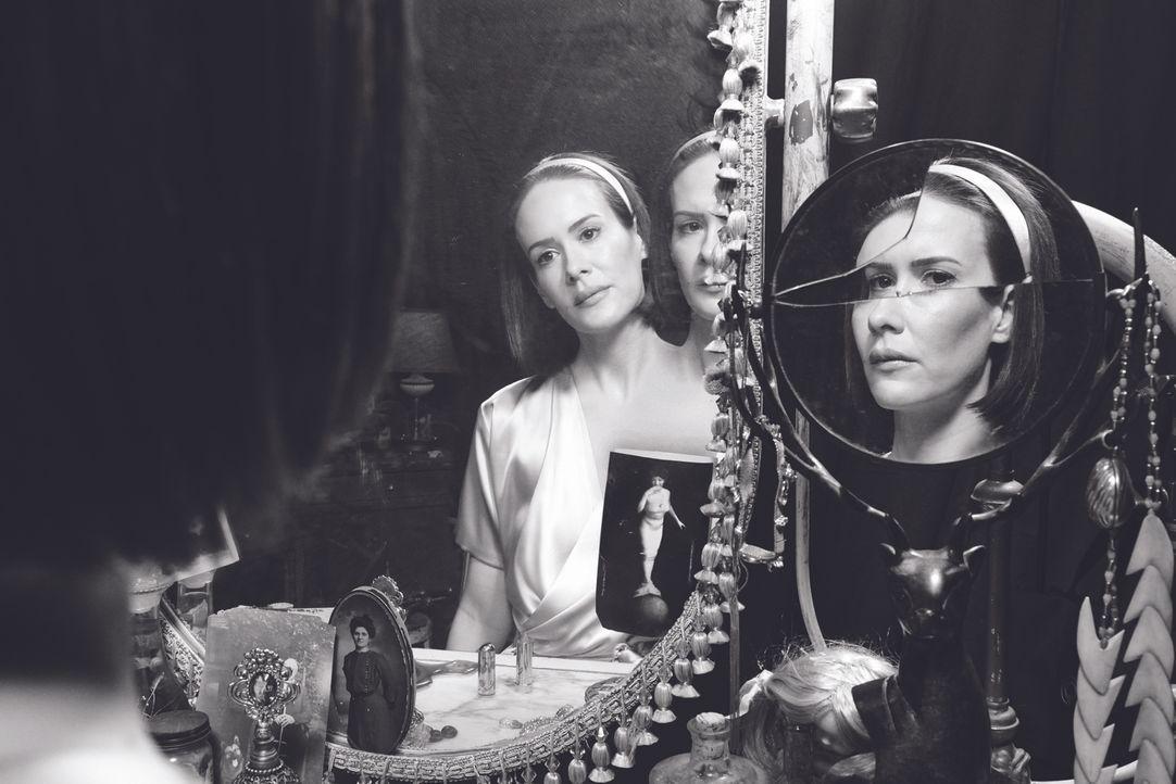 (4. Staffel) - Nachdem Bette ihre Mutter getötet hat, fühlt sich auch Dor Tattler (Sarah Paulson) schuldig, doch verworrene Umstände führen das erst... - Bildquelle: 2014, FX Network. All rights reserved.