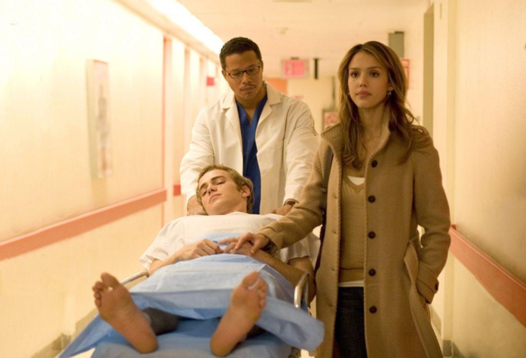 Erst im Angesicht einer riskanten Herztransplantation rebelliert Konzernerbe Clay Beresford (Hayden Christensen, liegend) zum ersten mal gegen seine... - Bildquelle: The Weinstein Company