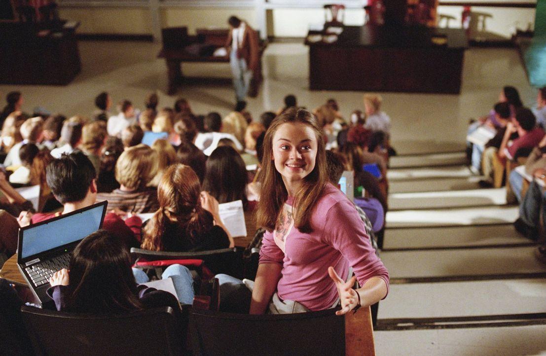 Auf einem Road-Trip erfährt Rory (Alexis Bledel) nicht nur mehr über die Gründe der gescheiterten Hochzeit, sondern auch über das College-Leben in H... - Bildquelle: 2001 Warner Bros. Entertainment, Inc.