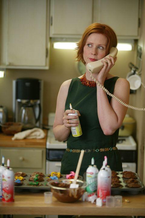 Um bei Steve einen guten Eindruck zu hinterlassen, begeht Miranda (Cynthia Nixon) eine ziemliche Dummheit ... - Bildquelle: Paramount Pictures