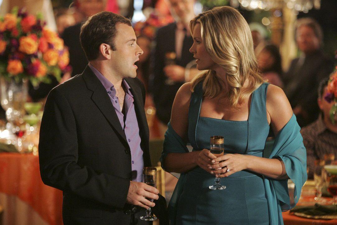 Der berufliche Zwist zwischen Eli (Jonny Lee Miller, l.) und seiner Verlobten Taylor (Natasha Henstridge, r.) trübt das gemeinsame Glück auf ihrer P... - Bildquelle: Disney - ABC International Television
