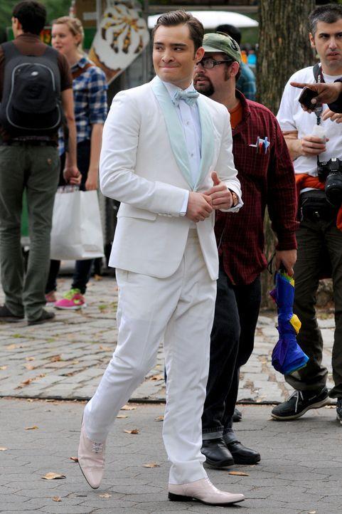 Chuck in weißem Smoking - Bildquelle: WENN