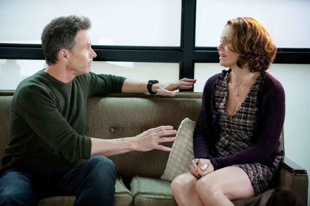 Charlotte und Cooper haben Schwierigkeiten mit Mason zu sprechen, während Pete (Tim Daly, l.) und Violet (Amy Brenneman, r.) ihre Beziehung retten w... - Bildquelle: ABC Studios