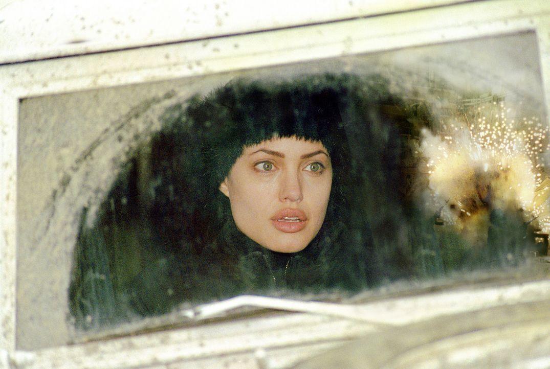In Sarah (Angelina Jolie) wächst der Wunsch, ihrem bisherigen Leben eine neue Aufgabe zu geben ... - Bildquelle: Paramount Pictures