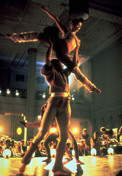 """Die anstehenden vier Jahre Studium auf der New York High School für Performing Arts sollen den Jugendlichen den """"Weg zum Ruhm"""" ebnen ... - Bildquelle: Warner Brothers International Television Distribution Inc."""