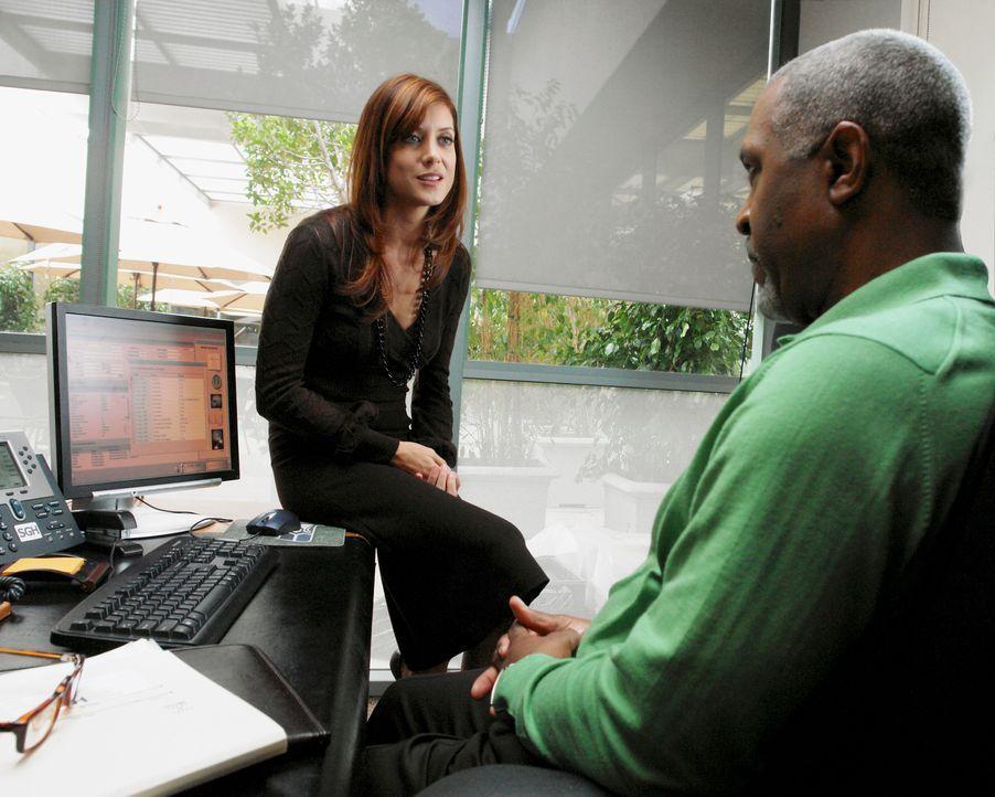 Addison (Kate Walsh, l.) teilt Chief Webber (James Pickens jr., r.) mit, dass sie das Seattle Grace Hospital verlassen wird. Webber ist davon überh... - Bildquelle: 2007 American Broadcasting Companies, Inc. All rights reserved.