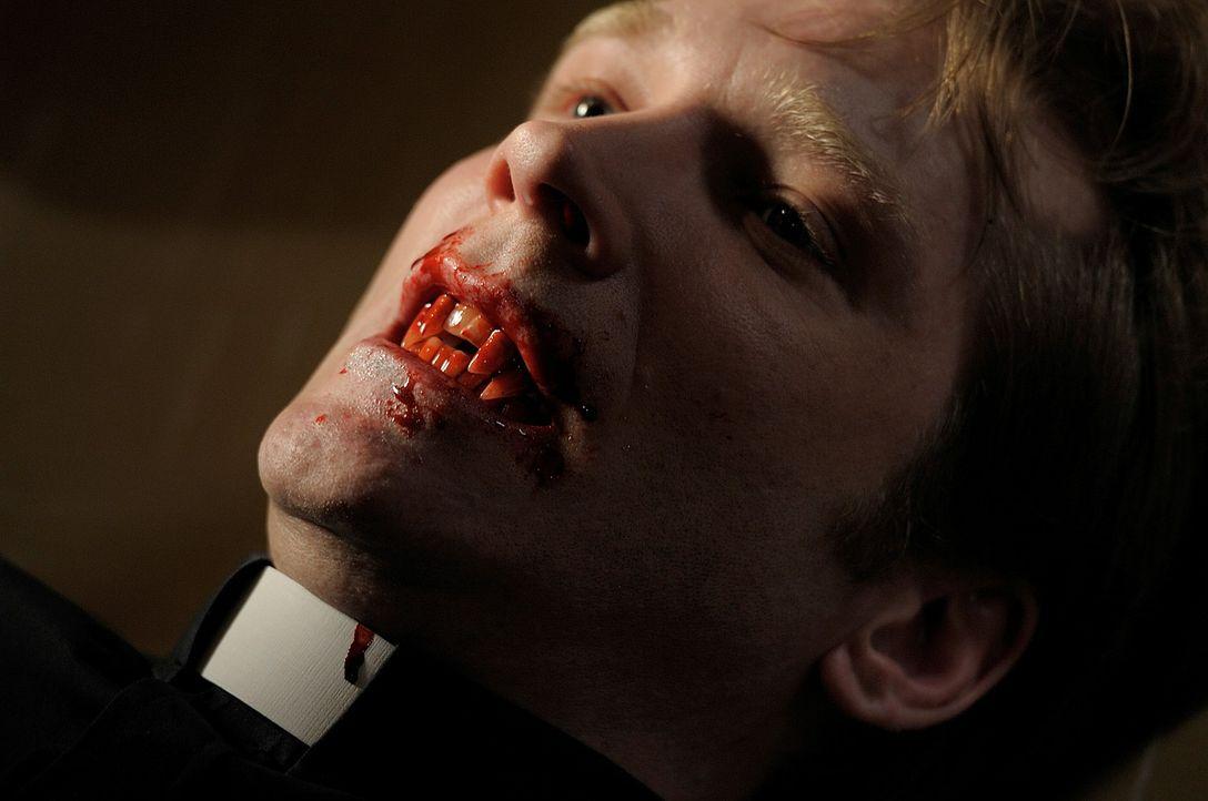 Treibt sein Unwesen im Krankenhaus, was Aiden zum Handeln zwingt: Pater Gates (Eric Davis) ... - Bildquelle: Phillipe Bosse Syfy Channel