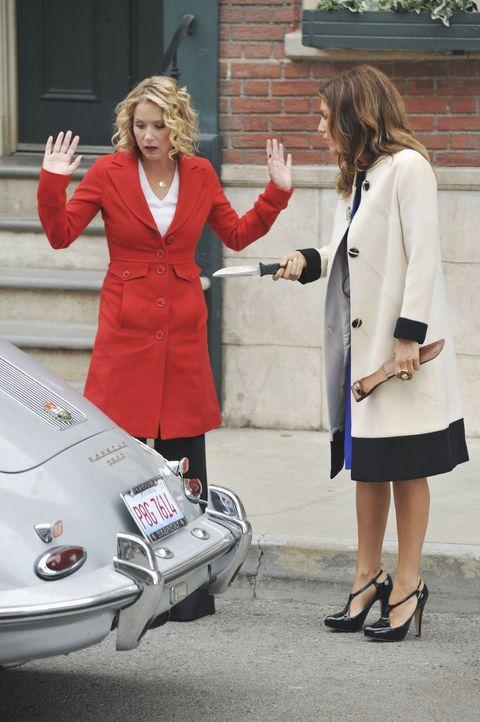 Führen nichts Gutes im Schilde: Samantha (Christina Applegate, l.) und Andrea (Jennifer Esposito, r.) ... - Bildquelle: 2008 American Broadcasting Companies, Inc. All rights reserved.