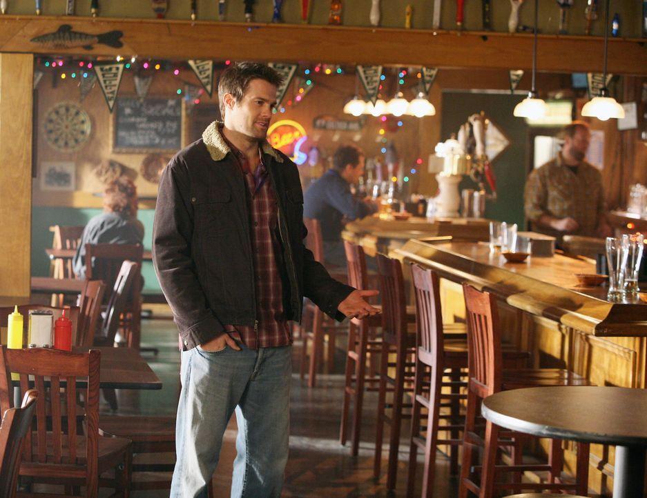 Eddie Latekka (Geoff Stults) will sich bei seiner Freundin entschuldigen ... - Bildquelle: ABC Studios