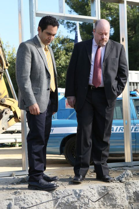 Ermitteln weiter im Mordfall um Alejandro: Detective Heredia (José Zuniga, l.) und Detective Murphy (Michael Dempsey, r.) ... - Bildquelle: ABC Studios