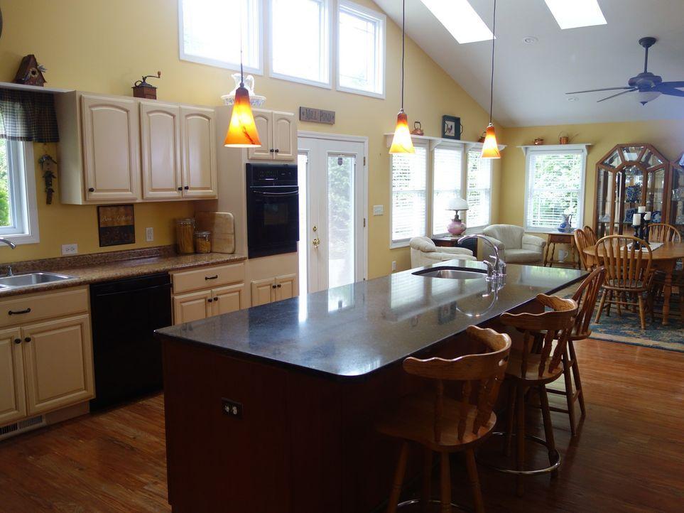 In Cass Country ein Haus für unter 350.000$ direkt am See zu finden, ist keine leichte Aufgabe. Doch Paul DeLano gibt sein Bestes, um ein Haus ausfi... - Bildquelle: 2015, HGTV/Scripps Networks, LLC. All Rights Reserved.