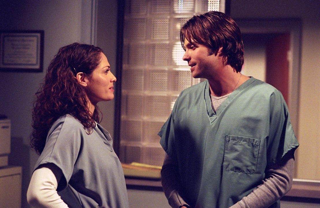 Während Sarah (Sarah Danielle Madison, l.) und Matt (Barry Watson, r.) wissen, dass sie zusammenpassen, sind ihre Eltern alles andere als begeistert... - Bildquelle: The WB Television Network