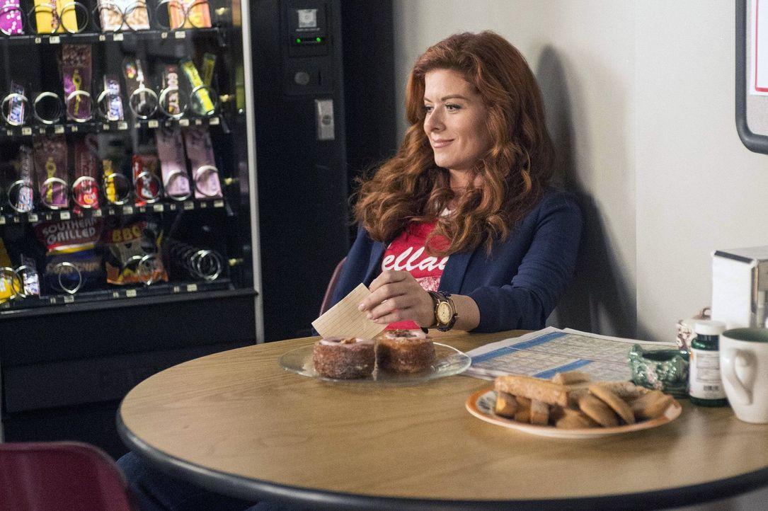 Während der Ermittlungen in einem neuen Fall überlegt Laura (Debra Messing), wieder zu daten, da ihr Ehemann Jake endlich die Scheidungspapiere unte... - Bildquelle: Warner Bros. Entertainment, Inc.